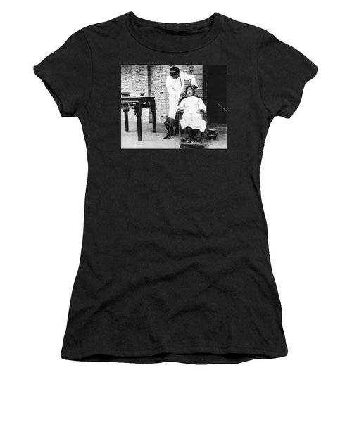 Dentistry In China Women's T-Shirt