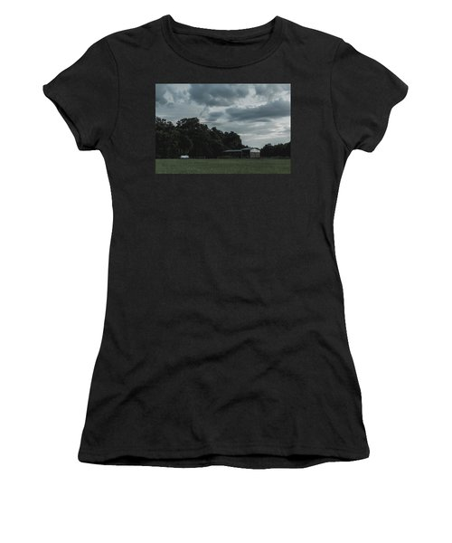 Desaturated Barn Women's T-Shirt (Athletic Fit)
