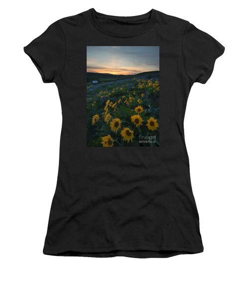 Desert Gold Women's T-Shirt (Athletic Fit)