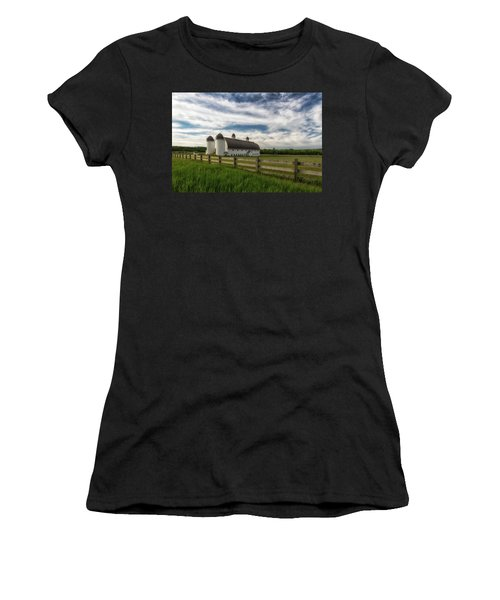 Women's T-Shirt featuring the photograph Dh Day Farm 9 by Heather Kenward