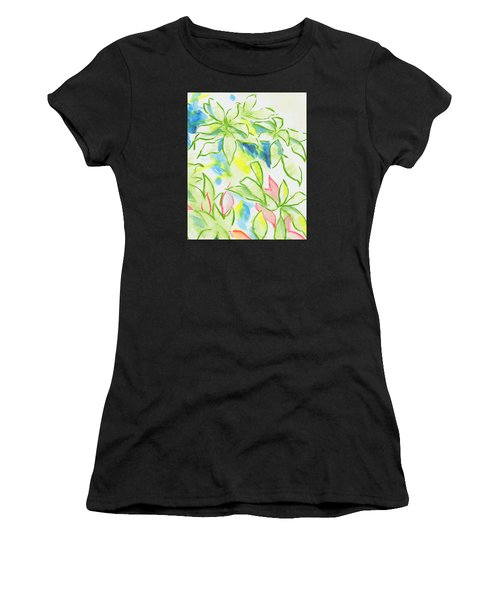 Different Coloured Hydrangea Leaves - Green Red Yellow Women's T-Shirt
