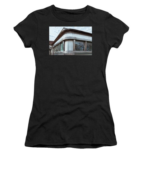 Diner Closed Women's T-Shirt (Athletic Fit)
