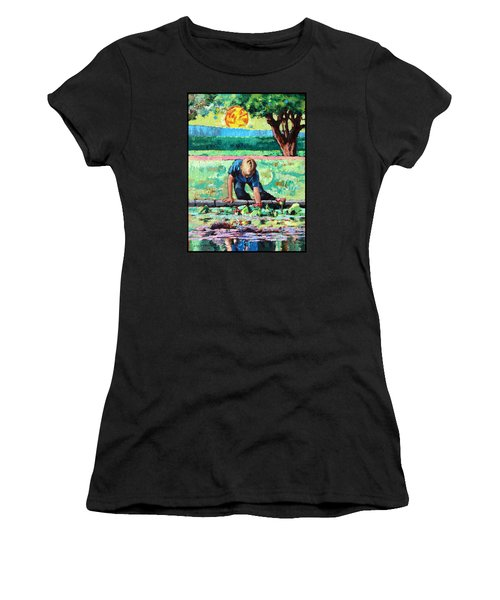 Discovering A World Of Beauty Women's T-Shirt (Athletic Fit)