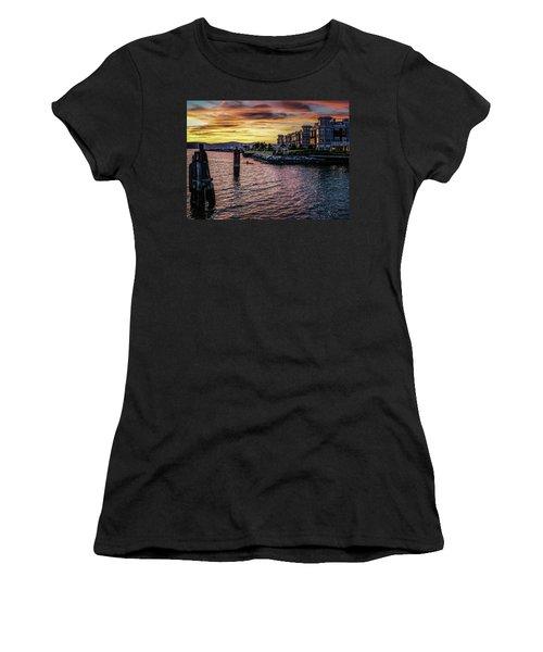 Dramatic Hudson River Sunset Women's T-Shirt (Athletic Fit)