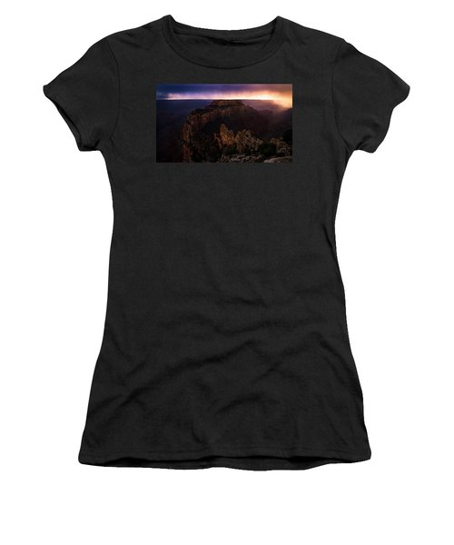 Dramatic Throne Women's T-Shirt