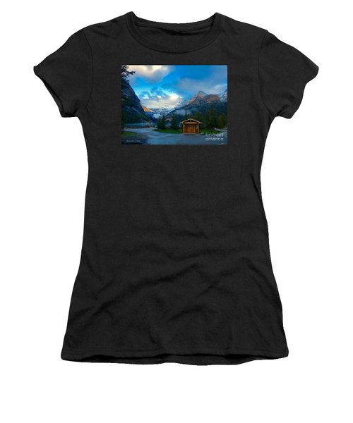 Early Moody Morning Women's T-Shirt