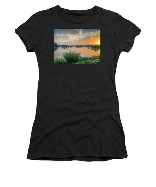 Early Morning Sunrise On The Lake Women's T-Shirt (Athletic Fit)