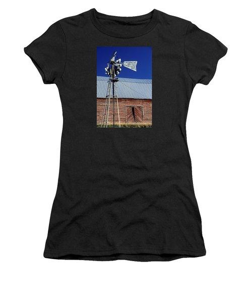 Eid Road Windmill Women's T-Shirt (Athletic Fit)