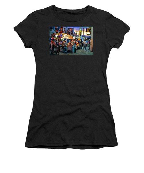 El Flamazo Women's T-Shirt (Athletic Fit)