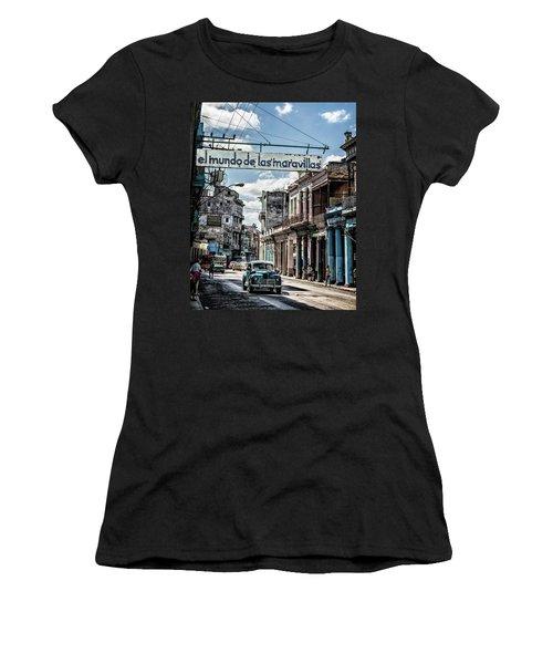 El Mundo De Las Maravillas Women's T-Shirt