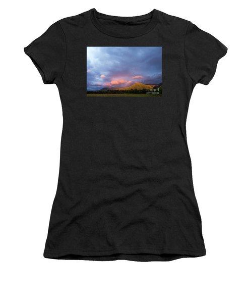 Women's T-Shirt (Junior Cut) featuring the photograph Evening In Cades Cove - D009913 by Daniel Dempster