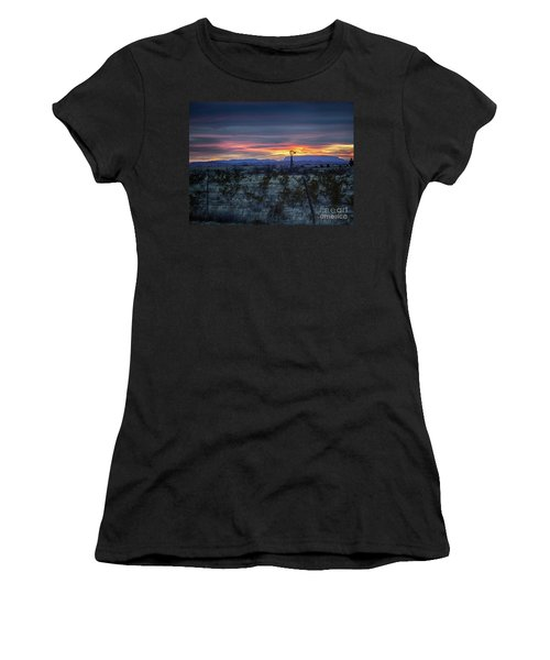 Evening In Marathon Women's T-Shirt (Athletic Fit)