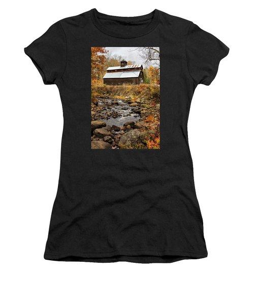Fall Barn  Women's T-Shirt