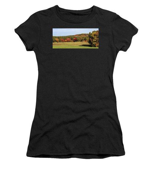 Fall Colors In Easthampton Women's T-Shirt