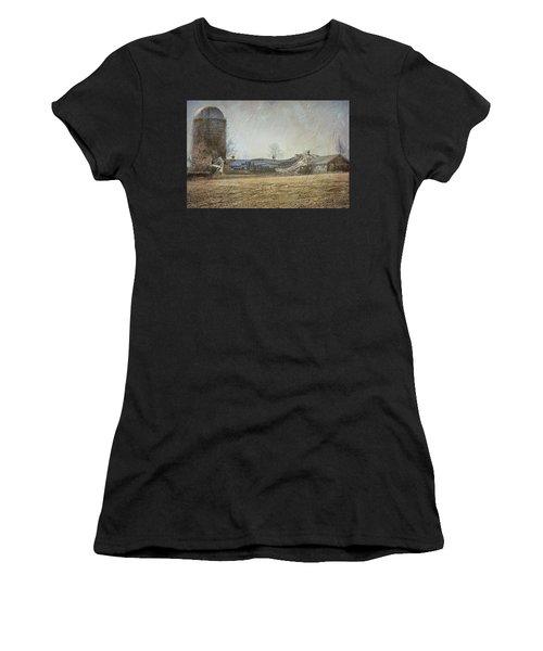 Fallen Barn  Women's T-Shirt (Athletic Fit)