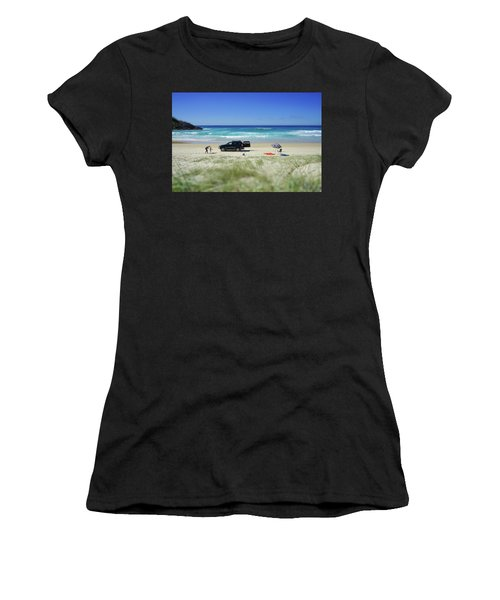 Family Day On Beach With 4wd Car  Women's T-Shirt