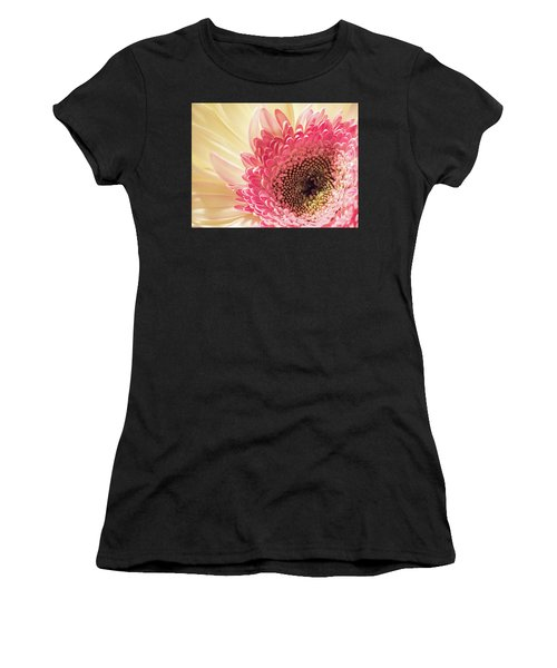 Fancy Pants Gerbera Daisy Women's T-Shirt (Athletic Fit)