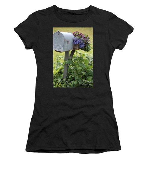 Farm's Mailbox Women's T-Shirt