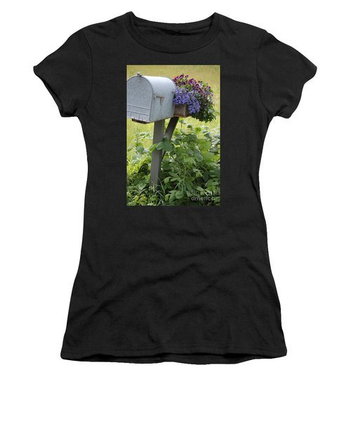 Farm's Mailbox Women's T-Shirt
