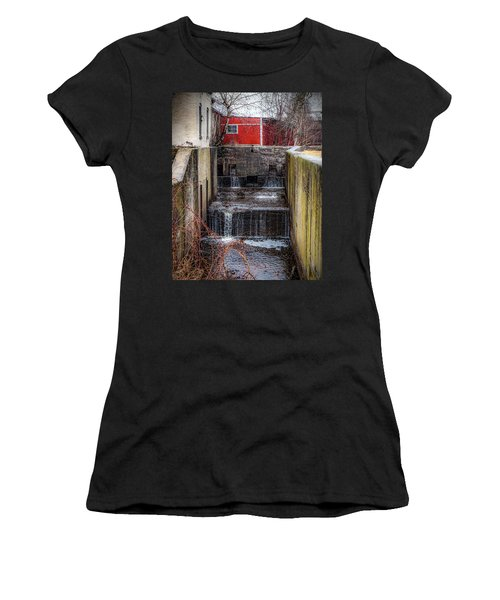 Feeder Canal Lock 13 Women's T-Shirt