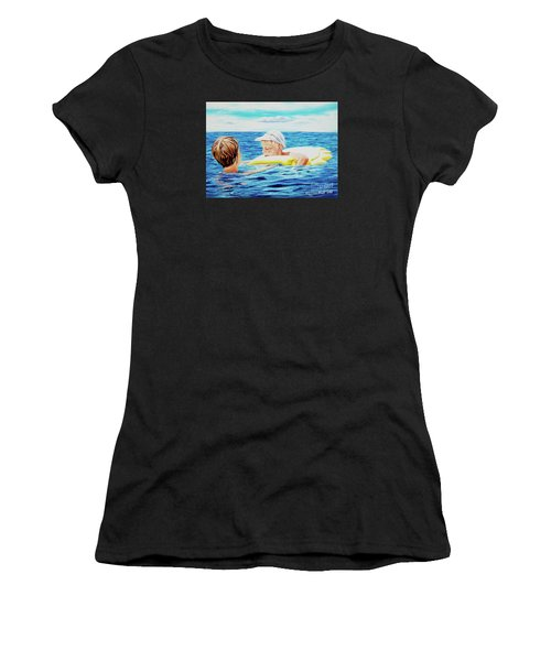First Swimming - Nadar Primero Women's T-Shirt (Athletic Fit)