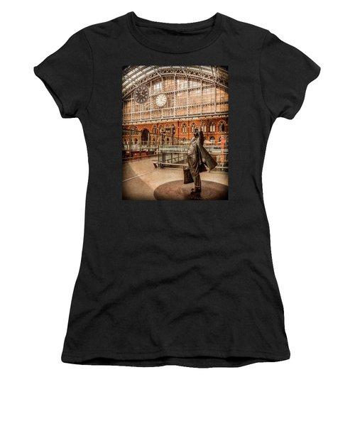 London, England - Flying Time Women's T-Shirt