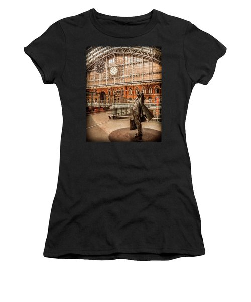 London, England - Flying Time Women's T-Shirt