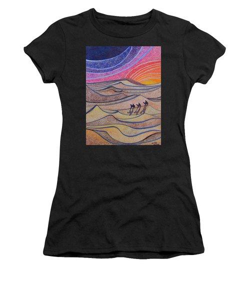 Follow The Star   Women's T-Shirt