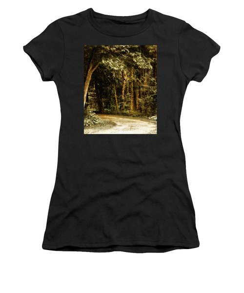 Forest Curve Women's T-Shirt (Athletic Fit)