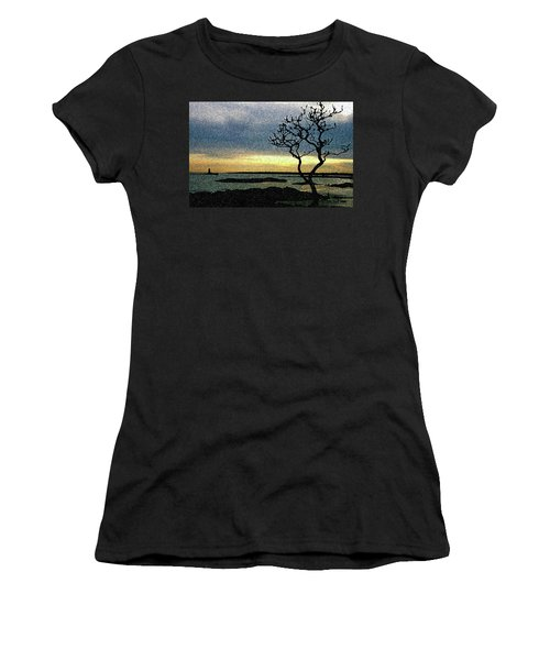 Fort Foster Tree Women's T-Shirt (Athletic Fit)