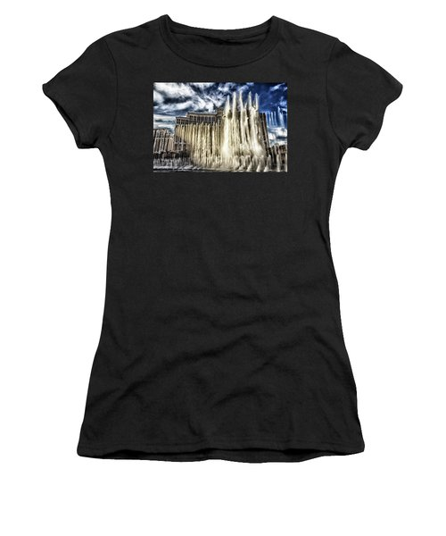 Fountain Of Love Women's T-Shirt