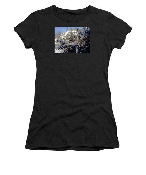 Fresc Snow Women's T-Shirt (Junior Cut) by Vicky Tarcau