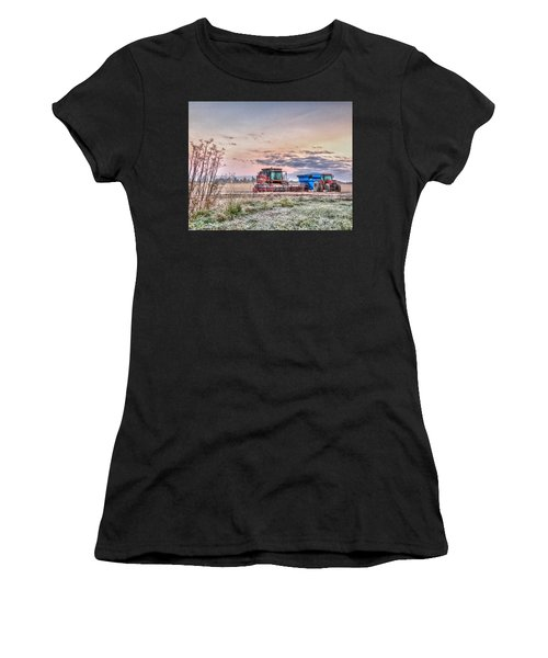Frosty Farm Morning Women's T-Shirt