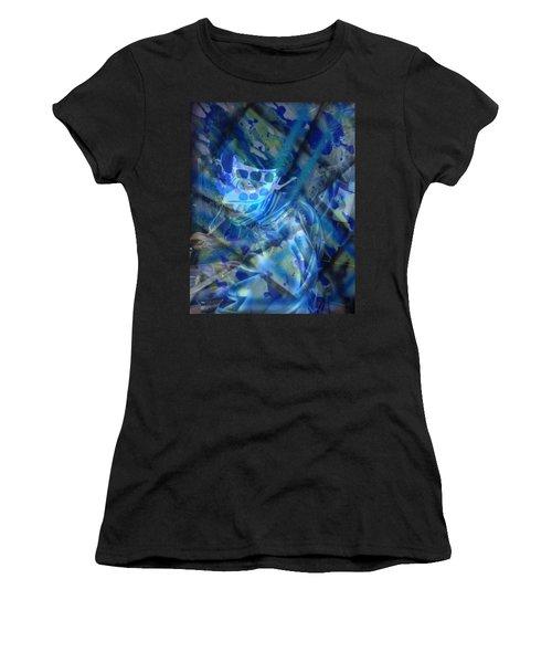 Frozen Women's T-Shirt (Athletic Fit)