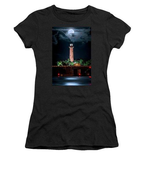 Full Moon Over Jupiter Lighthouse On Christmas Night 2015 Women's T-Shirt