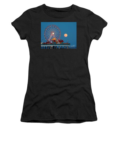 Full Moon Rising Above The Gulf Of Mexico - Historic Pleasure Pier - Galveston Island Texas Women's T-Shirt