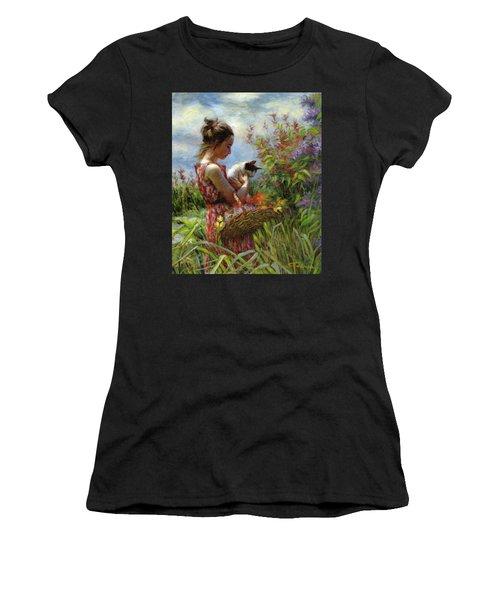 Garden Gatherings Women's T-Shirt