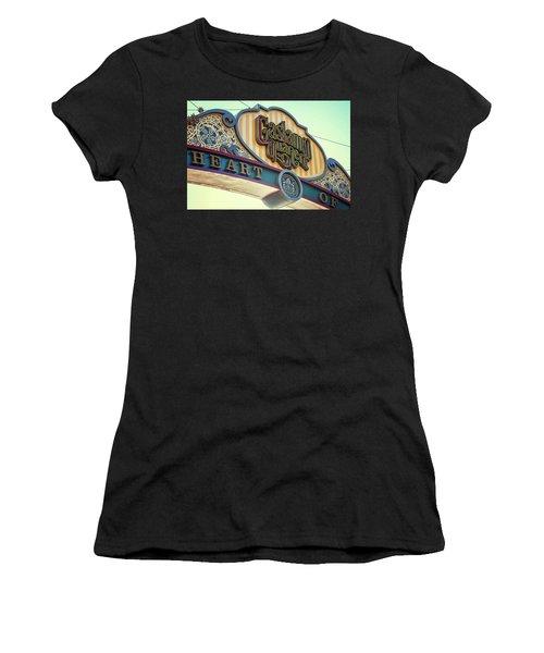 Gaslamp Close Up Women's T-Shirt