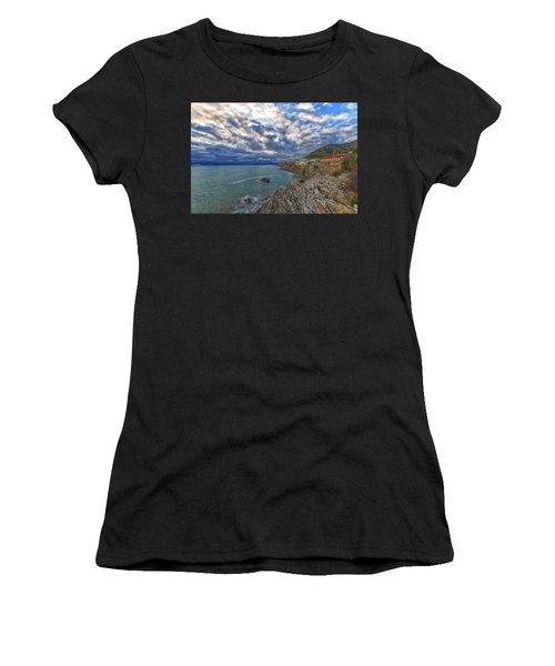 Genova Nervi Ex Ristorante Marinella  Luoghi Abbandonati Abandoned Places Women's T-Shirt