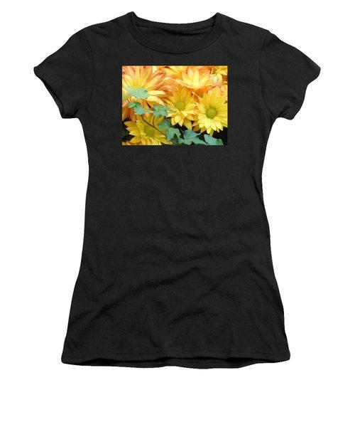 Golden Mums And Ivy Women's T-Shirt