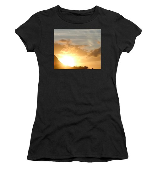 Golden Oahu Sunset Women's T-Shirt (Athletic Fit)