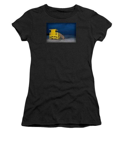 Goodnight Siesta Key Women's T-Shirt (Athletic Fit)