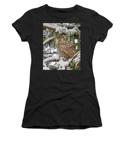 Great Horned Owl In Snow Women's T-Shirt (Athletic Fit)