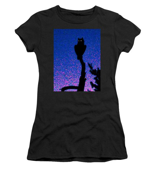 Great Horned Owl In The Desert Women's T-Shirt (Athletic Fit)