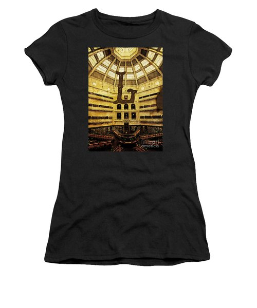 Grungy Melbourne Australia Alphabet Series Letter L State Librar Women's T-Shirt (Athletic Fit)