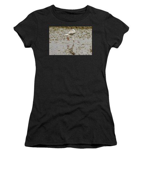 Gull Fishing 01 Women's T-Shirt (Athletic Fit)