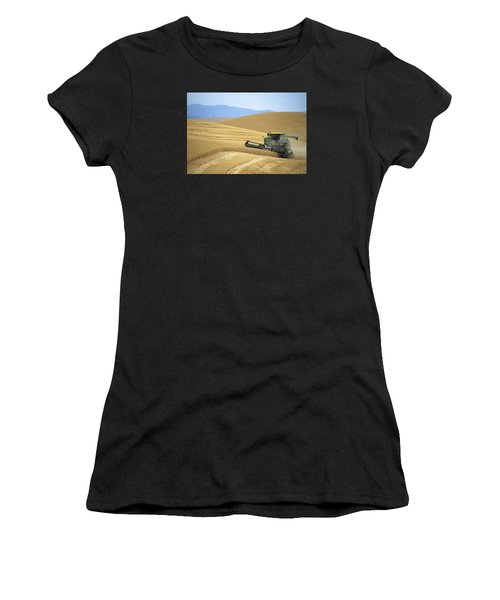 Harvest And Moscow Mountain Women's T-Shirt (Athletic Fit)