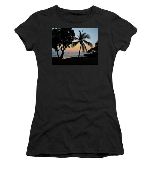 Hawaiian Big Island Sunset  Kailua Kona  Big Island  Hawaii Women's T-Shirt