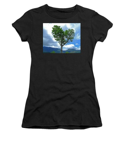 Heart Shaped Tree Women's T-Shirt (Athletic Fit)