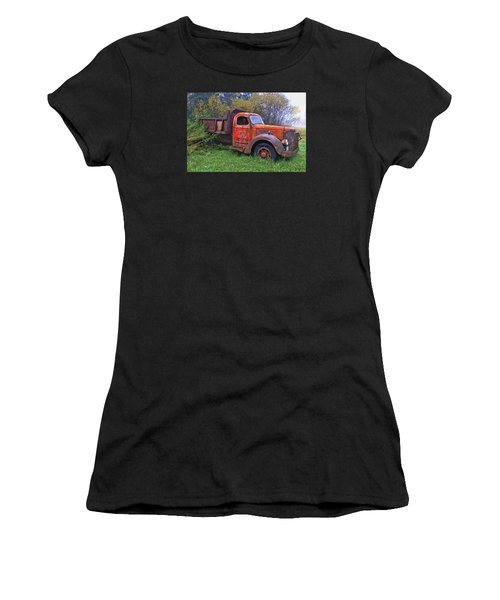 Hiding In The Bushes Women's T-Shirt (Athletic Fit)